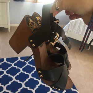 Shoes - Black wooden heel